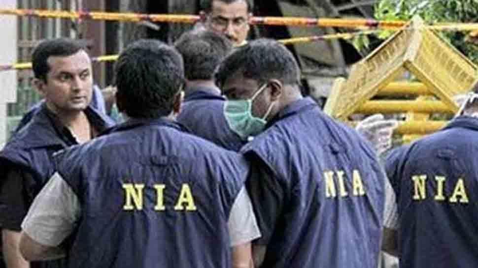 पुलवामा हमला: NIA ने की छापेमारी, बाप-बेटी के बाद एक और युवक हिरासत में
