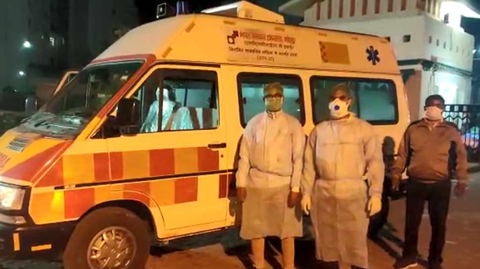 नोएडा में हुई कोरोना वायरस की एंट्री! कोरोना वायरस से पीड़ित होने की आशंका पर ओप्पो के अधिकारी ने खुद को फ्लैट में किया बंद
