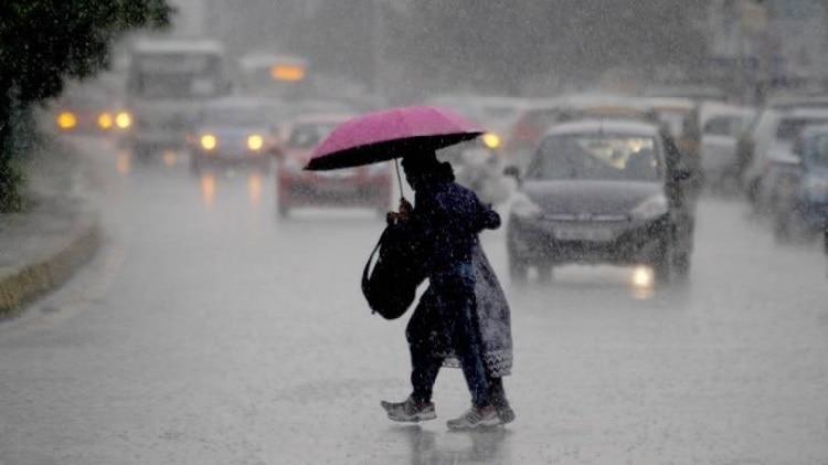 Weather Report: दिल्ली की बारिश से कहीं खुशी, कहीं गम