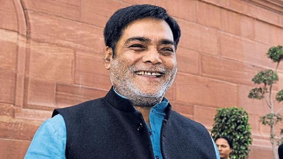 बिहार: BJP MP ने बढ़ाया मदद का हाथ, कोरोना संक्रमितों के इलाज के लिए दिए 1 करोड़ रुपए