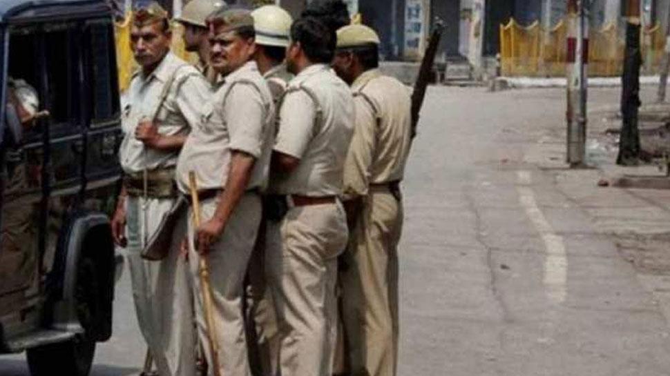 'Corona commandos' को सलाम, छुट्टी पर आए पुलिसकर्मियों ने गृह जनपद में की ड्यूटी
