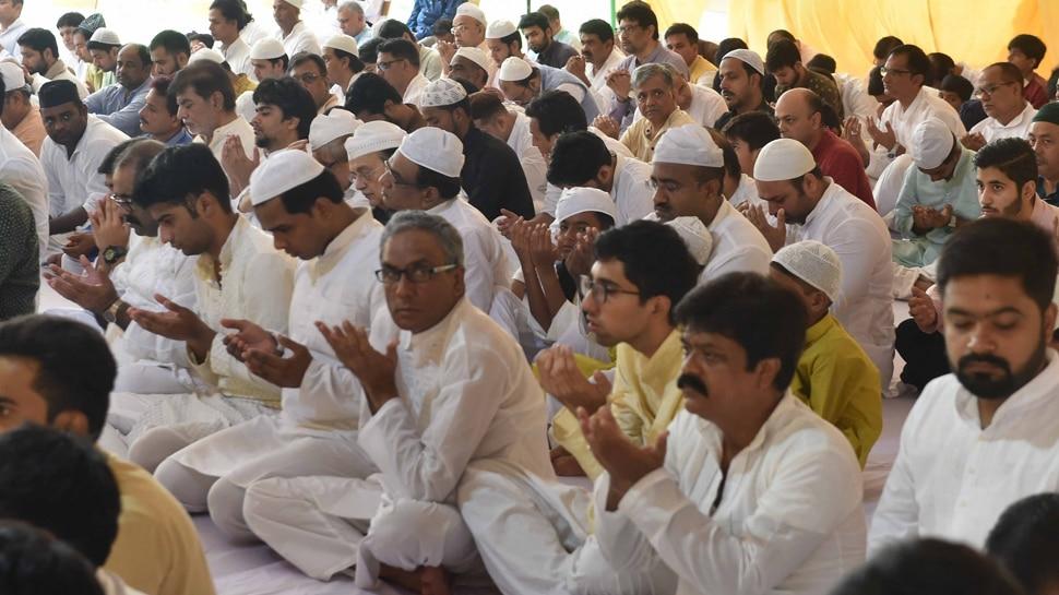 मुस्लिम धर्मगुरुओं का बड़ा कदम, किया ऐलान- नमाज मस्जिदों की बजाय घर में ही करें अदा