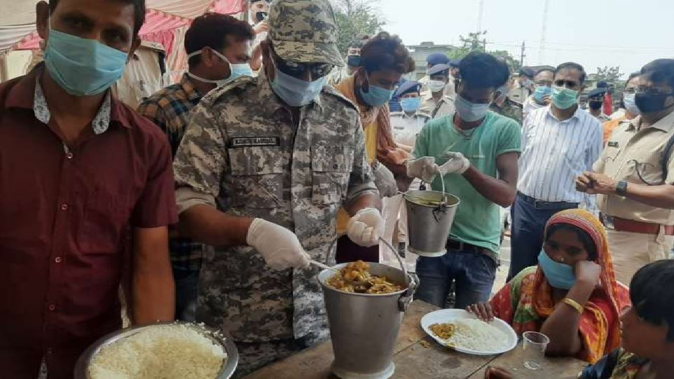 झारखंड: Lockdown में पुलिसकर्मियों ने की किचन की शुरुआत, बताई ये बड़ी वजह