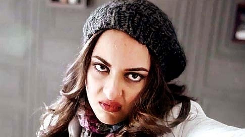Entertainment News: कोरोना वायरस: डोनेशन वाली बात पर भड़कीं Sonakshi Sinha, ट्रोलर्स को दिया ऐसा करारा जवाब