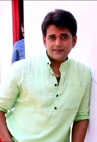 ravi kishan donated in pm care fund
