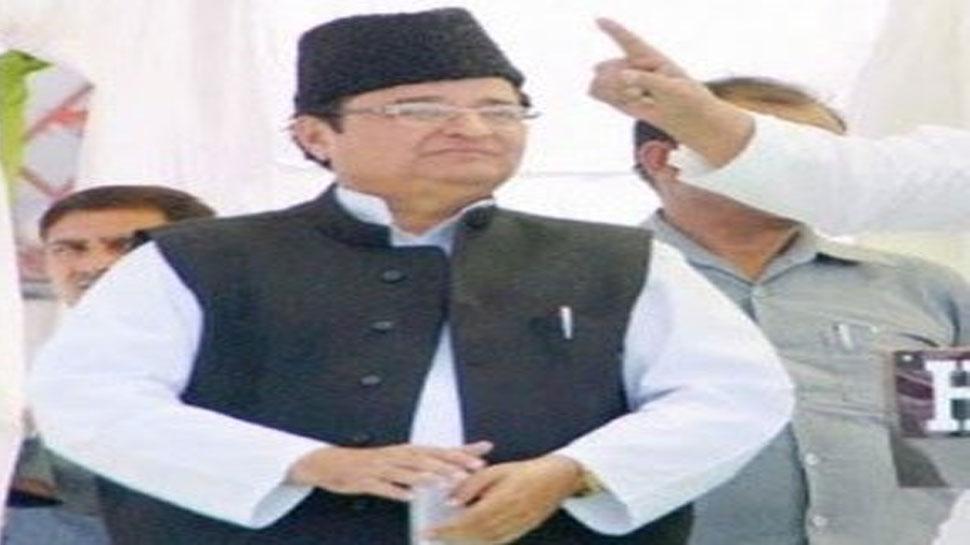 सपा सांसद को नहीं रास आई PM मोदी की घरों में रोशनी की अपील, दिया ये विवादित बयान