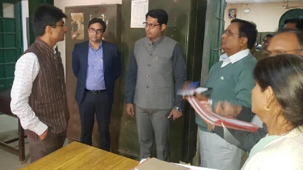 गौतमबुद्ध नगर के DM का आदेश, लॉकडाउन पीरियड का फीस वसूलने वाले स्कूलों पर होगी कार्रवाई