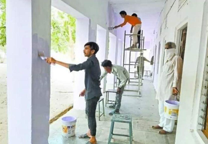 जिस स्कूल में क्वारंटाइन किए गए थे मजदूर, कर दिया उसका काया कल्प
