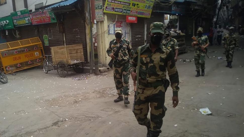 दिल्ली-नोएडा: पिछले 2 दिन में CRPF के 70 जवान हुए कोरोना संक्रमित, मचा हड़कंप