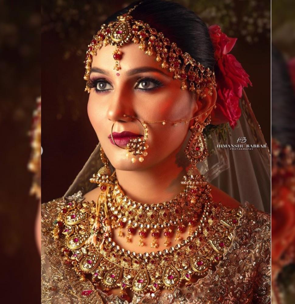 Sapna Chaudhary looking beautiful in her look