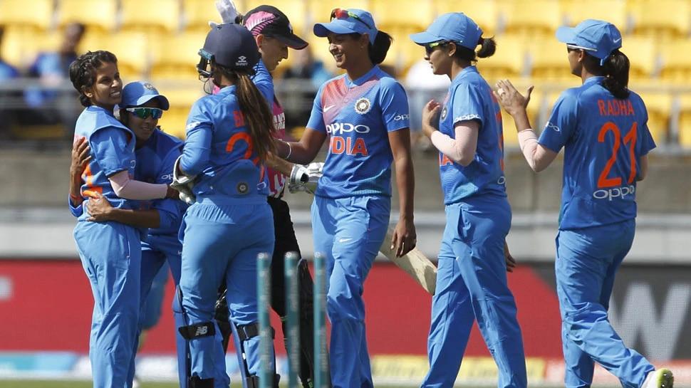 महिला क्रिकेटर्स को भी चढ़ा सचिन-युवी चैलेंज का बुखार, जानिए क्या था चैलेंज
