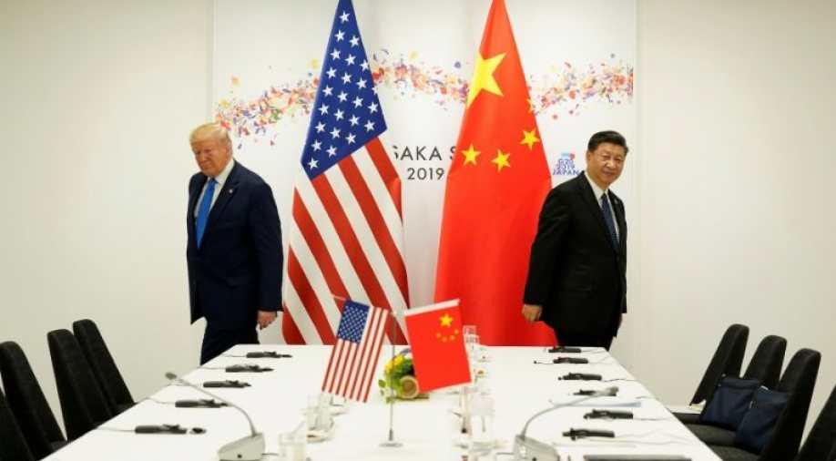 अमेरिका-चीन के बीच और बढ़ी तनातनी, 33 चीनी कंपनियों को US ने किया ब्लैकलिस्ट