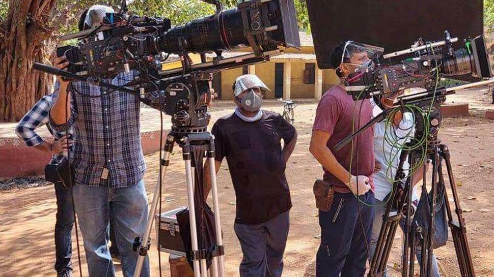 खुशखबरी: ट्रैक पर लौटेगा Bollywood, बस अब जल्द शुरू होगी फिल्मों की शूटिंग