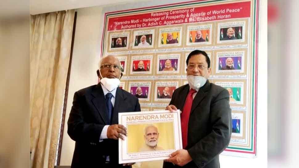 प्रधानमंत्री मोदी की नई बायोग्राफी का विमोचन, 20 भाषाओं में जारी की गई किताब