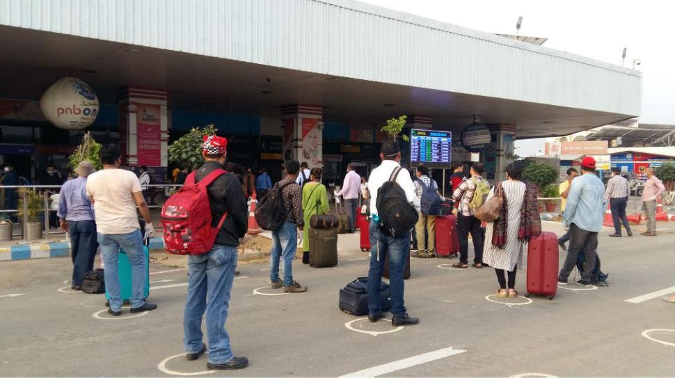 बिहार : 'अनलॉक' में दिखी सड़कों पर चहल-पहल, दुकानें खुली