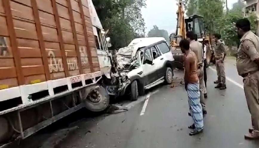 Khaskhabar/प्रतापगढ़ (Pratapgarh) जिले में एक दर्दनाक सड़क हादसे (Road