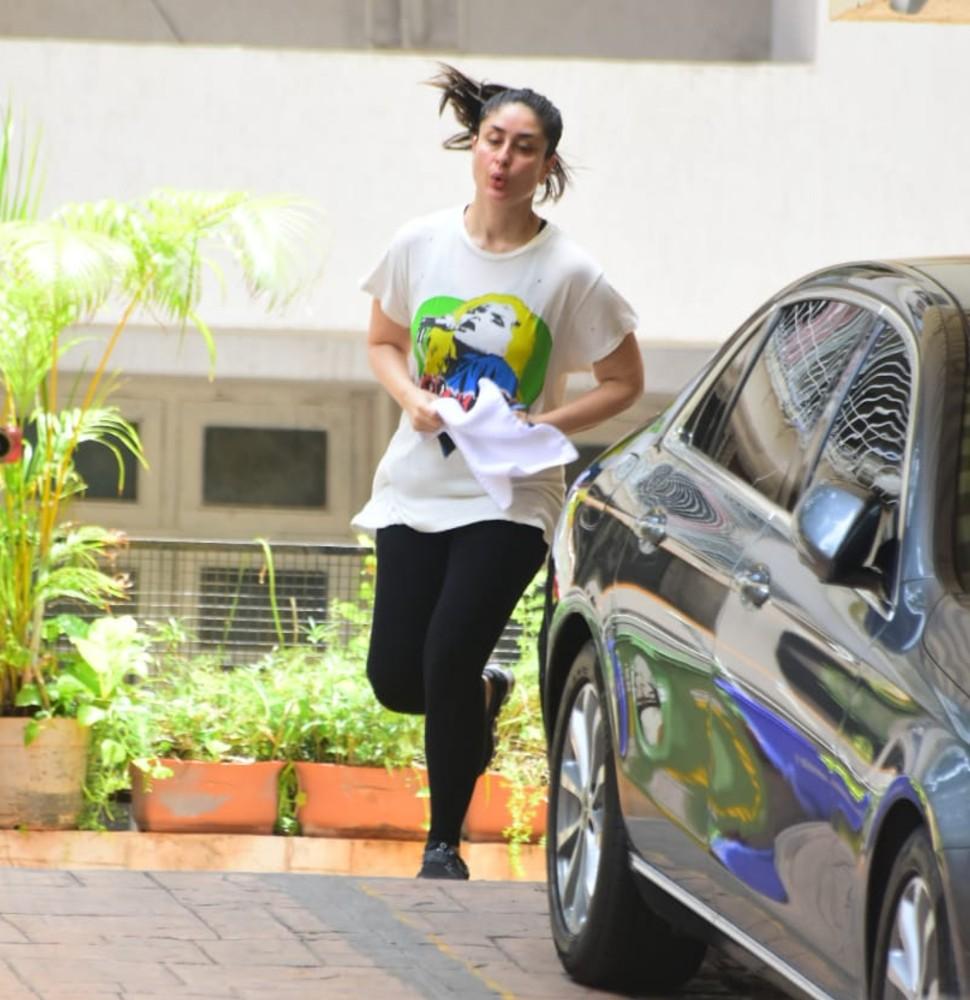 Kareena Kapoor khan on jogging mode
