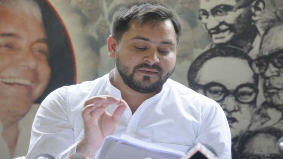 बिहार: तेजस्वी का नीतीश पर हमला, कहा- 'देशवासी कह रहे है कि CM को डर लगता है'