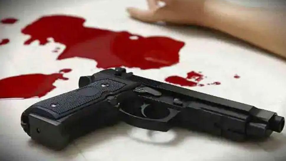 सिपाही ने अपनी ही रायफल से पत्नी को उतारा मौत के घाट, फिर खुद को मार ली गोली