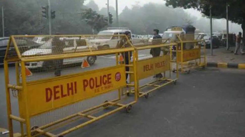 राजधानी में बड़े आतंकी हमले की आशंका, हाई अलर्ट पर दिल्ली पुलिस