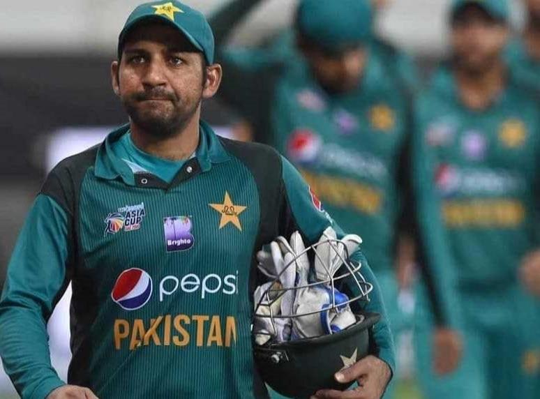 पाकिस्तानी क्रिकेट टीम से कोरोना नाराज़