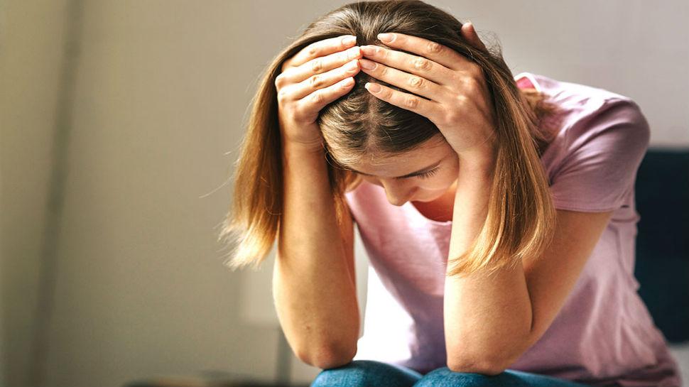 डिप्रेशन जैसी गंभीर समस्या को इन अचूक तरीकों से करें दूर, मन को मिलेगी शांति