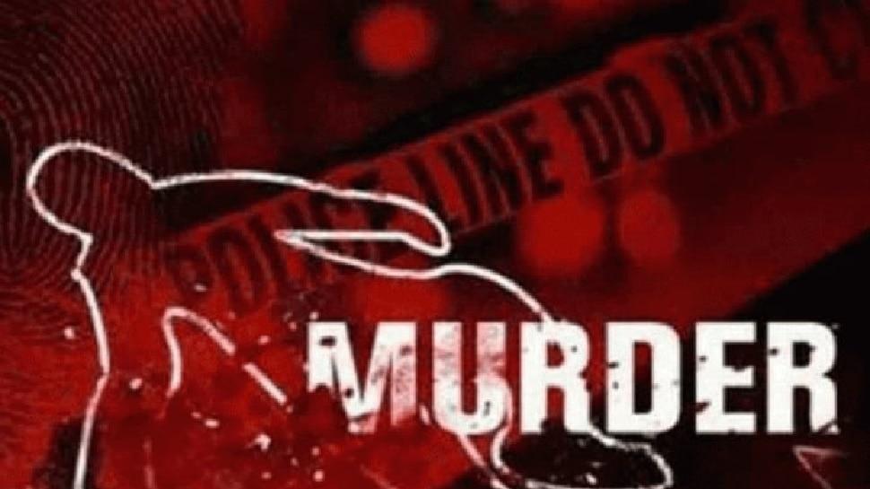 बड़वानी: मंदिर के ओटले पर सो रहे व्यक्ति का सिर कुचल कर हत्या, जांच में जुटी पुलिस