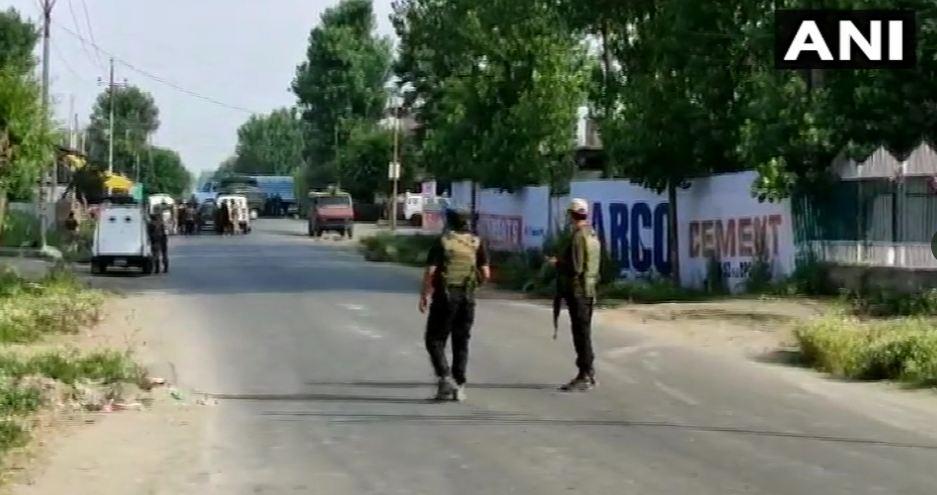 सोपोर में CRPF के काफिले पर आतंकी हमला, एक जवान को वीरगति को प्राप्त