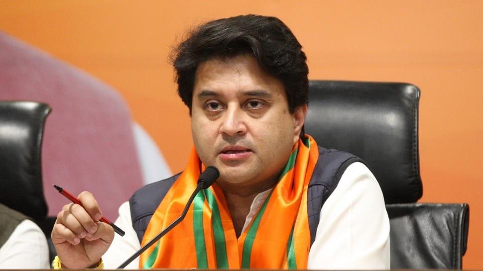 MP: शिवराज की कैबिनेट में बढ़ा सिंधिया का कद, उनके खेमे से ये 9 नेता बने मंत्री