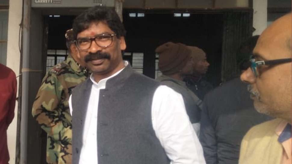 हेमंत सरकार ने पूरे किए 6 महीने, विरोधियों के निशान पर आए मुख्यमंत्री