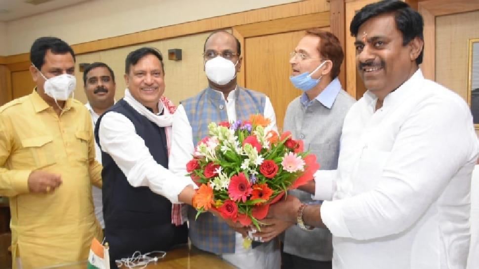 MP: बीजेपी विधायक रामेश्वर शर्मा ने ग्रहण किया प्रोटेम स्पीकर का कार्यभार