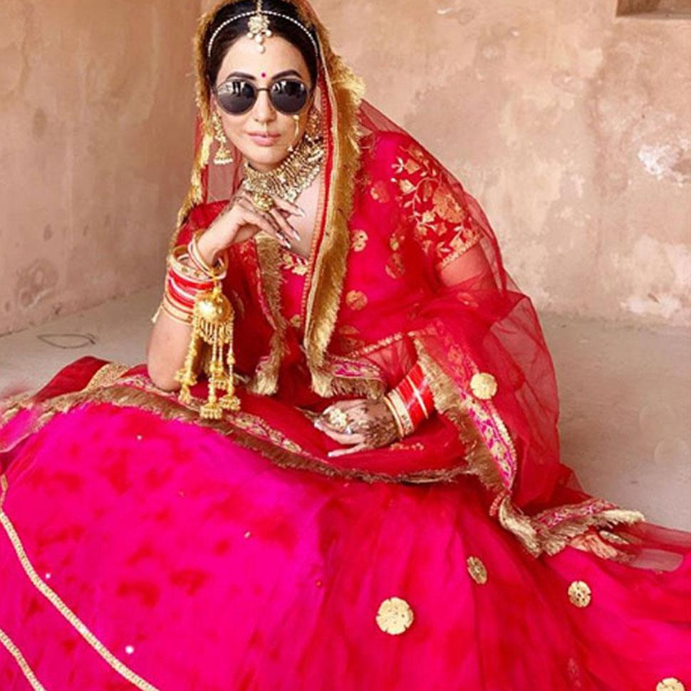 Hina Khan shares her throwback bridal photo shoot- see photos