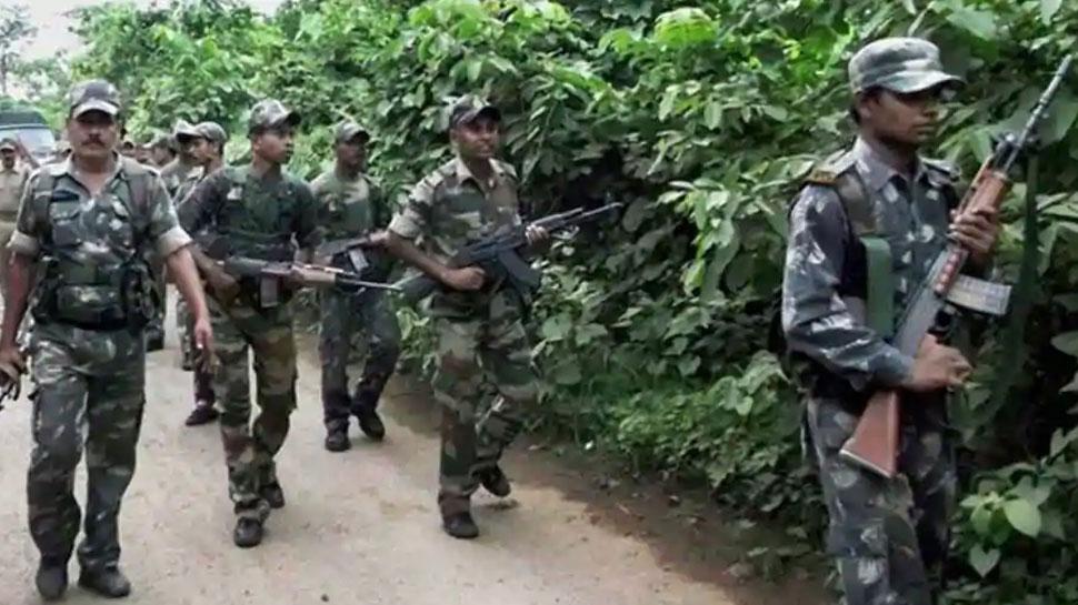 बिहार में सुरक्षाबलों के साथ मुठभेड़ में 4 नक्सली ढेर, भारी मात्रा में हथियार बरामद