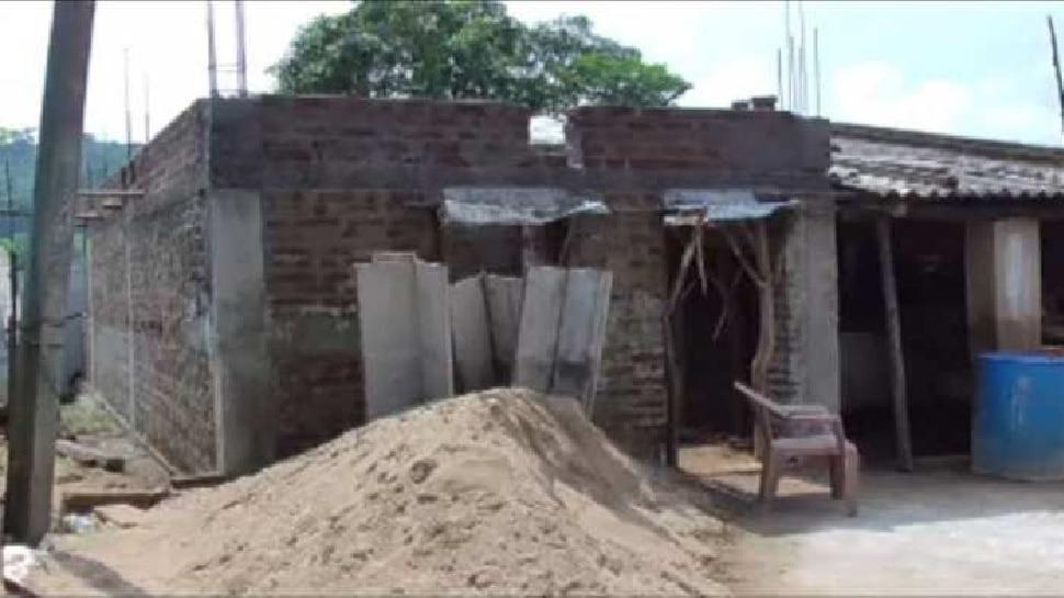 पेंड्रा: 'बैगा' जनजाति से PM आवास के नाम पर फर्जीवाड़ा, मिलीभगत से पैसा खा गए ठेकेदार
