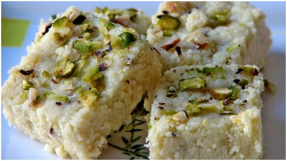 indian sweet kalakand recipe | सावन के महीने में घर पर ही बनाएं कलाकंद, जानिए रेसिपी | Hindi News, फूड
