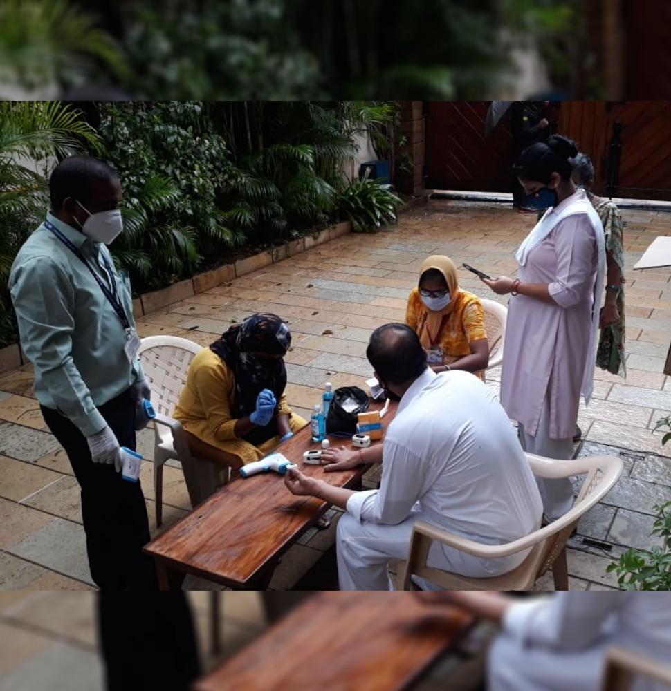 Amitabh Bachchan home sanitize