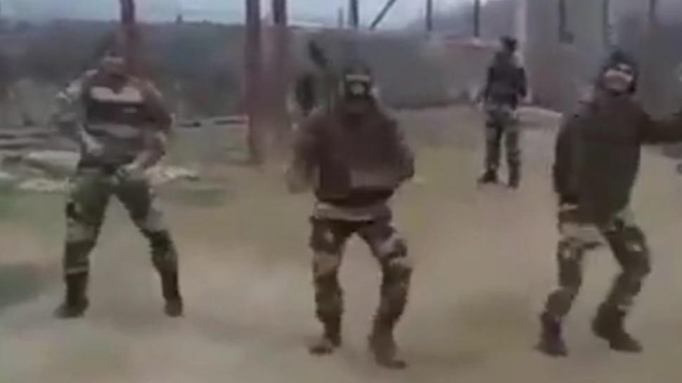 भारत-पाक बॉर्डर पर सैनिकों ने किया जबरदस्त डांस, वीडियो शेयर करने पर मजबूर हुए वीरेंद्र सहवाग