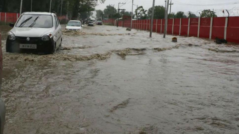 बिहार: कई जिलों में बाढ़ की स्थिति, जिलाधिकारियों को दिया गया अलर्ट रहने का निर्देश