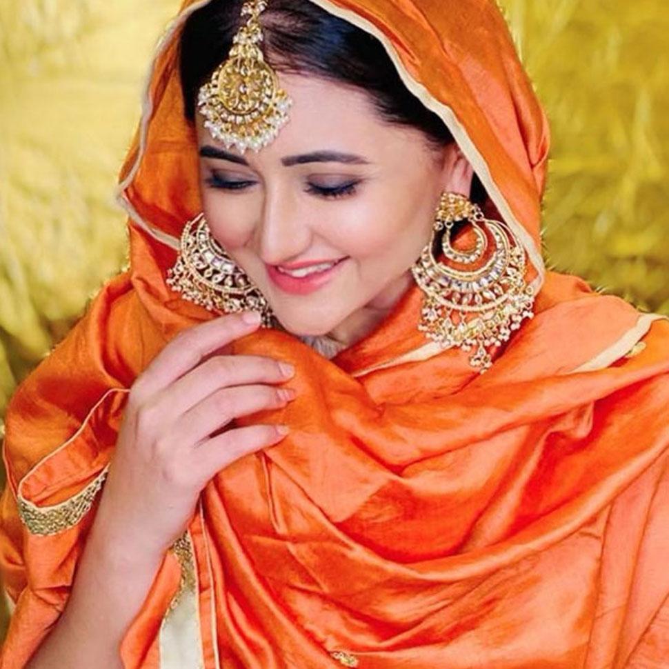 Rashmi Desai in Traditional Look SEE PHOTOS   रश्मि देसाई का ये देसी अवतार  गिरा रहा है फैंस पर बिजलियां- SEE PHOTOS   Hindi News,