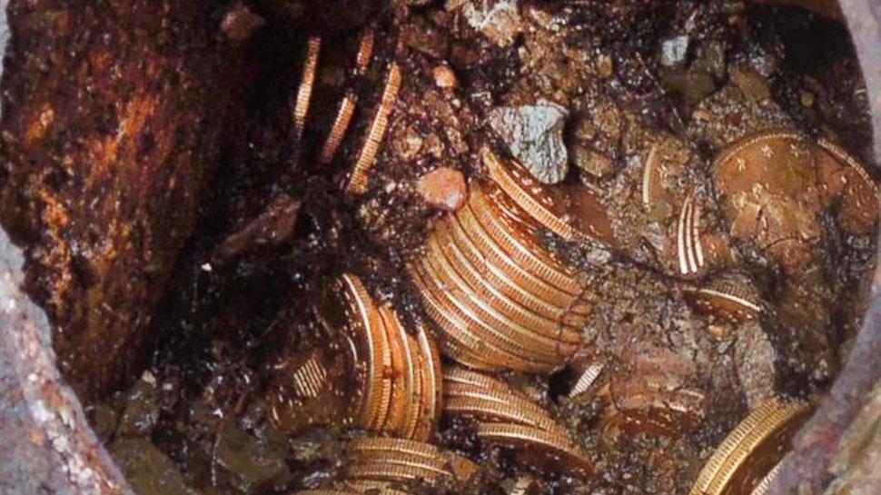 खंडहर की खुदाई में मजदूरों को मिली 5 किलो चांदी और 200 ग्राम सोना, लेकर फरार