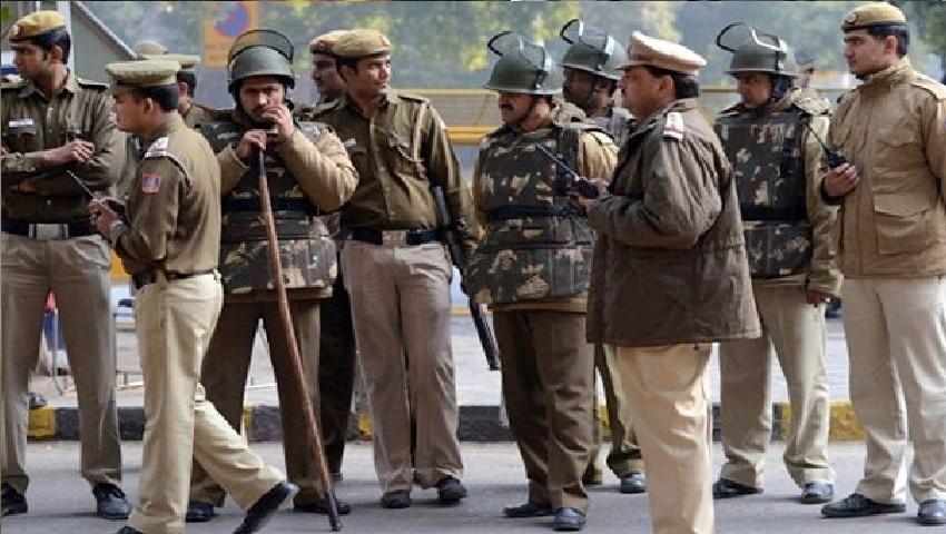 बकरीद पर छुट्टी मनाना 36 पुलिसवालों को पड़ा महंगा, किये गए सस्पेंड