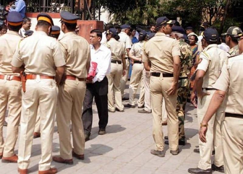 सुशांत मामले में अब फंस गई मुंबई पुलिस