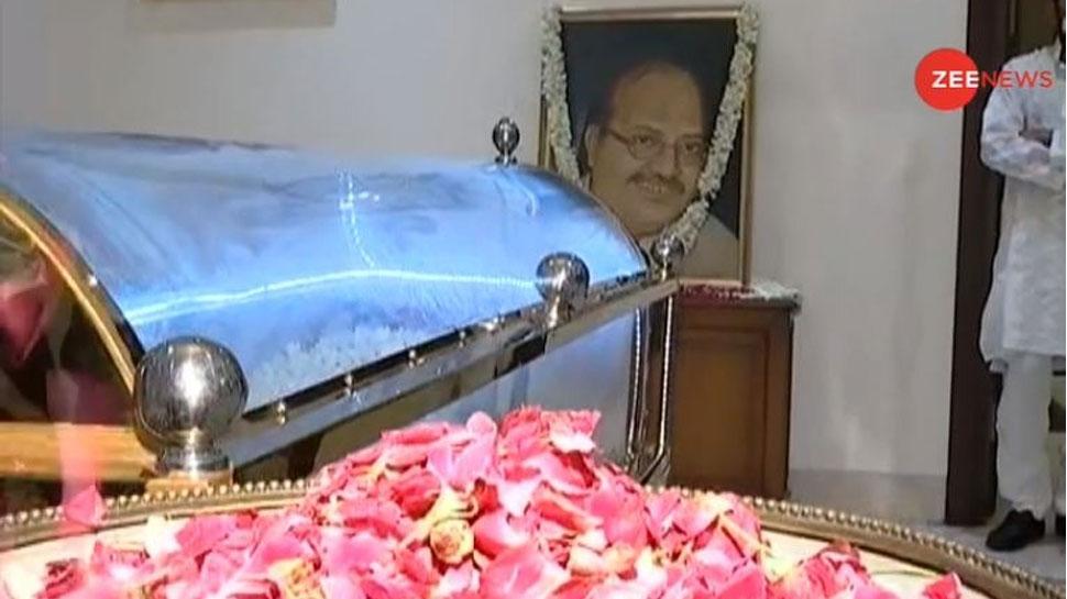 सिंगापुर से दिल्ली लाया गया अमर सिंह का पार्थिव शरीर, आज होगा अंतिम संस्कार