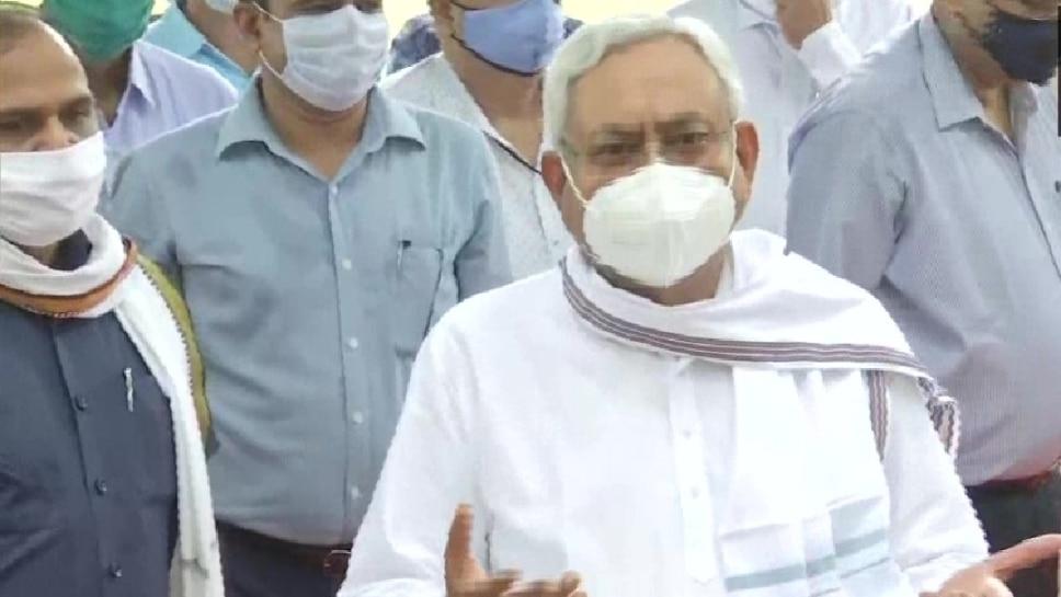 Sushant Suicide Case: पटना के सिटी एसपी को मुंबई में क्वारंटीन करने पर CM नीतीश कुमार का रिएक्शन आया सामने