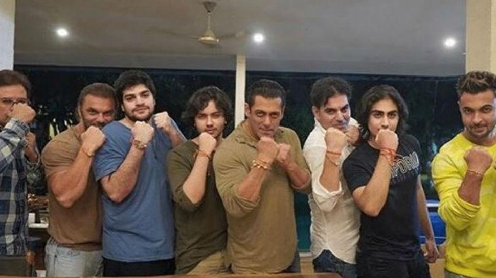 Salman Khan ने पूरे परिवार के साथ मनाया राखी, फोटो में दिखा पूरा Boys Gang