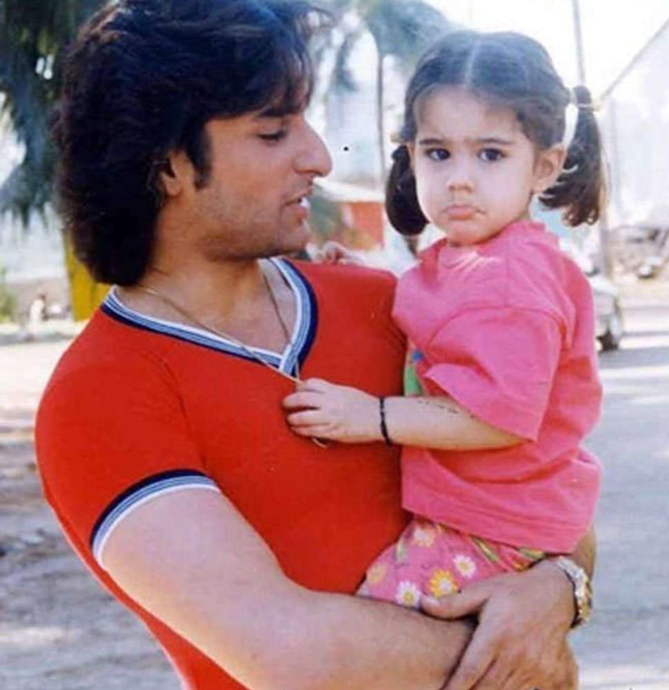 Sara Ali Khan cute face