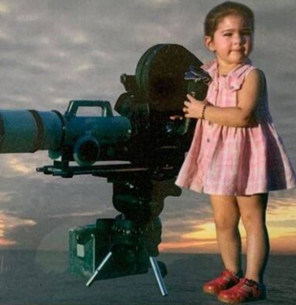 Sara Ali Khan childhood pic