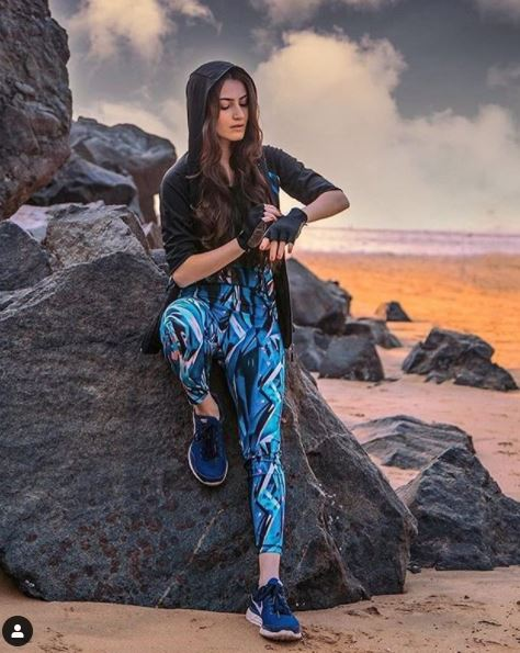 khuda haafiz actress glamorous photo