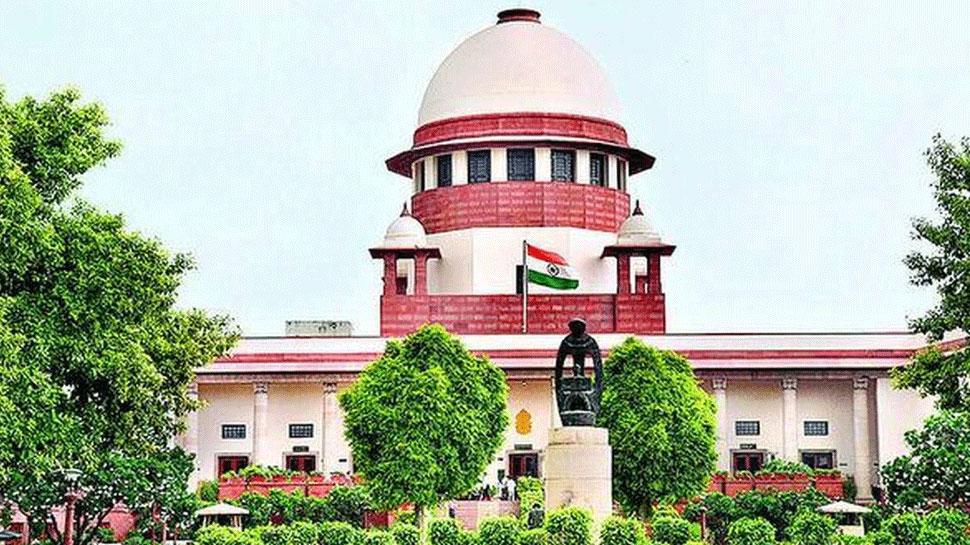 SC: महामारी में परीक्षा 'जीवन के अधिकार' पर बड़ा सवाल है: वकील सिंधवी