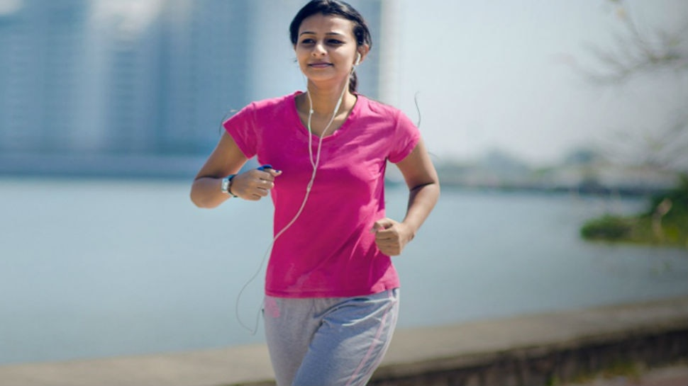 Morning Walk के बड़े हैं फायदे, जान लें कौन-सी उम्र के लोगों को कितनी करनी चाहिए सैर